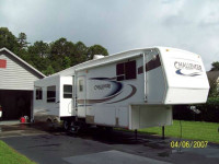 2005 Keystone Challenger 36\' Mint Condition RVShowrooms.com 1