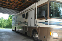 1999 Fleetwood Bounder WHEELCHAIR ACCESSIBLE RVShowrooms.com 1