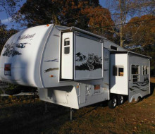 2005 Forest River fifth wheel travel trailer rv showrooms 1
