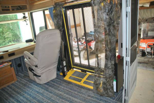 1999 fleetwood bounder wheelchair accessible for Wheelchair accessible homes for sale near me