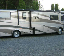 2005 Fleetwood Discovery 39\' Diesel Pusher 1