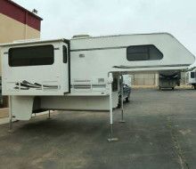 2001 LANCE Long Bed Truck Camper Rv Showrooms 1