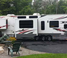 2010 Keystone Fusion 405 Fifth Wheel Toy Hauler 1