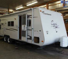 2005 Coachmen Capri 27TBS Bunkhouse Travel Trailer 1