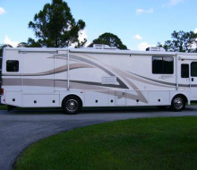 2001 Fleetwood Discovery RV Diesel Pusher 1